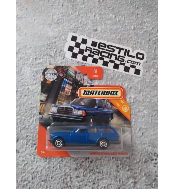 Matchbox Mercedes-Benz S123...